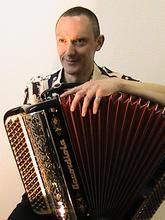 Mick Simonnet (06 66 53 99 57)